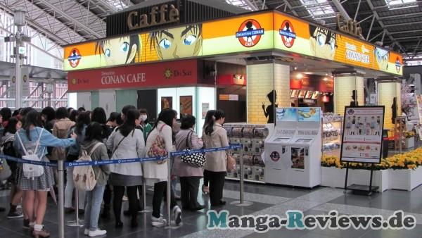 detektiv-conan-cafe-schlange